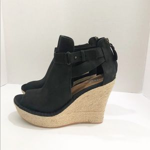 Ugg Open Toe Suede Bootie. Size 7